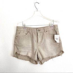 ☀️ NWT Free People Jean Shorts Chalk Color ☀️